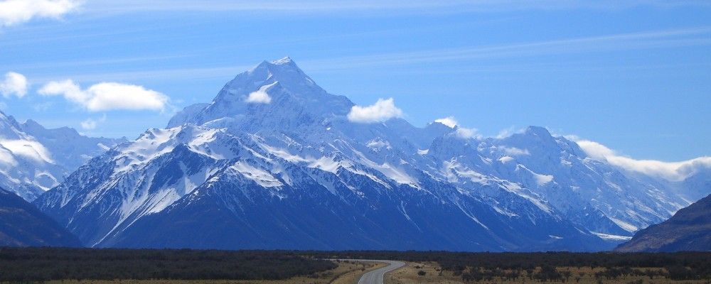 Road_to_mount_cook_new_zealand